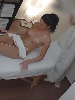 Massage voyeur