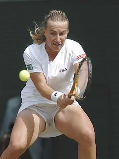 Tennis pussy slip